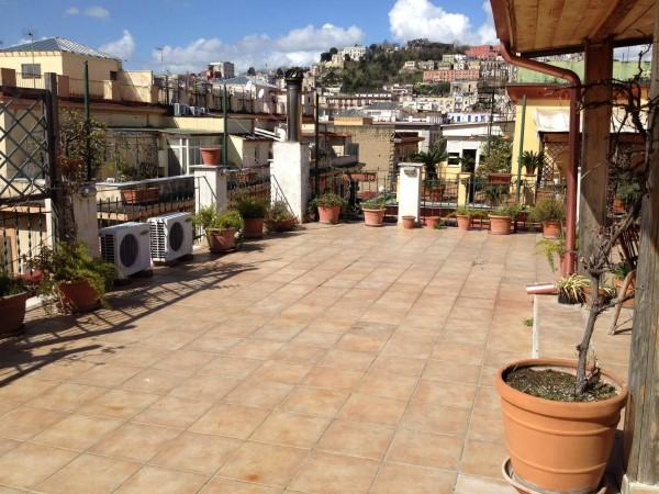 Via Foria ad.ze (G.A, Pasquale) con terrazzo a livello | IGIcasa