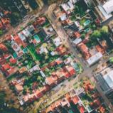 Comprare una casa da mettere a reddito: meglio in centro o in periferia?