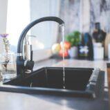 Condominio: come suddividere le spese per l'eccedenza idrica?
